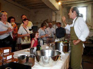 Ste-Gauburge : fête de l'abeille 12