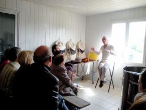 Questions, réponses... de la conférence au dialogue ou au débat : l'apiculture passionne et intrigue